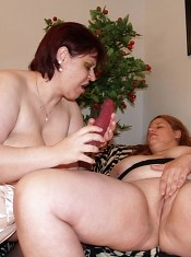 Steamy lesbian scene with hefty hotties Marta and Chaste licking cunts and sharing dildos live