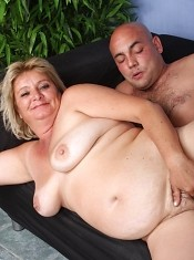 Sussana spreading her thick fat thighs while a cock jackhammers her cushioned furpie